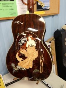 nouveau guitar back